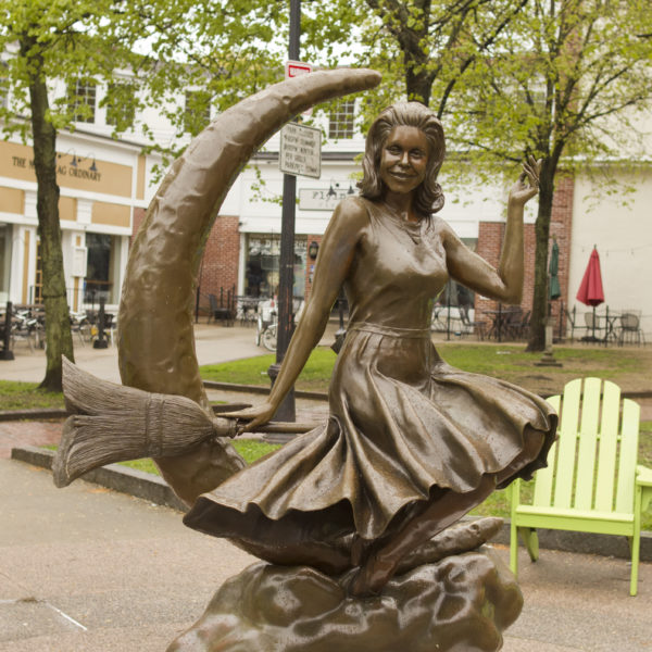 things to do in salem, haunted dinner theater, bewitched