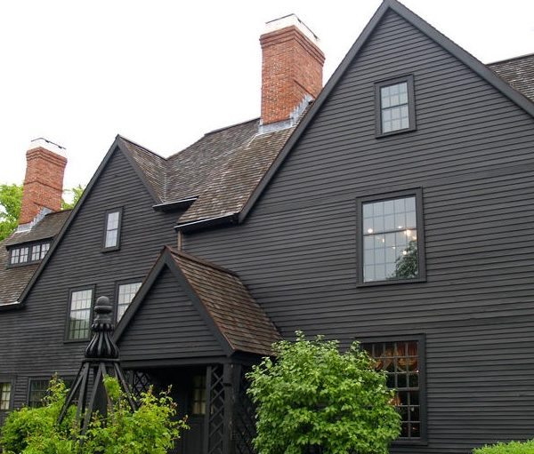 things to do in salem, volunteer house of the seven gables salem